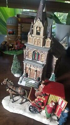 $ CDN103.22 • Buy Large Square Village    CATHEDRAL     Illuminated 1999  Plus Extras !!!! Lemax