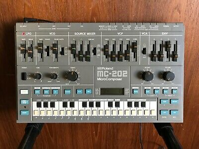 AU1097.91 • Buy Roland MC-202 MicroComposer Analog Synthesizer/sequencer TB-303 SH101