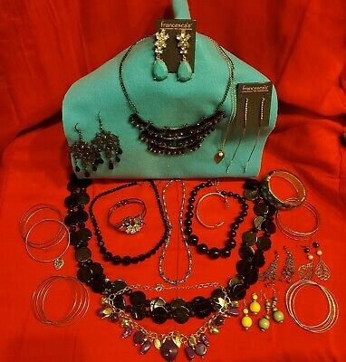 $ CDN31.27 • Buy Lot Of Costume Jewelry. Great Condition.