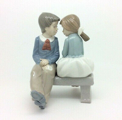 Nao Ladro Figurine.  First Love  (Boy & Girl On A Bench). • 15£