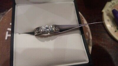 Silver Coloured Ladies Dress Ring Size M • 1£
