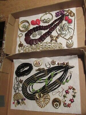 $ CDN37.86 • Buy Vintage Jewelry Lot Necklace Brooch Earrings Brooches Pin &more (526E)