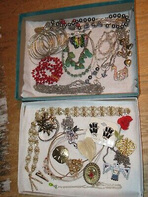 $ CDN37.86 • Buy Vintage Jewelry Lot Necklace Brooch Earrings Brooches Pin &more (543E)