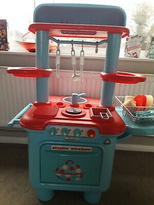 Early Learning Centre Double-sided Play Kitchen Plus Matching Accessories • 15£