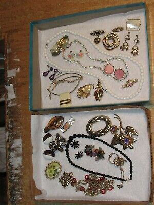 $ CDN34.07 • Buy Vintage Jewelry Lot Necklace Brooch Earrings Brooches Pin &more (470E)