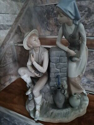 Nao By  Lladro Rare Large  Girl/boy Water Pump Figurines Grape Tasters 13.5inchs • 50£