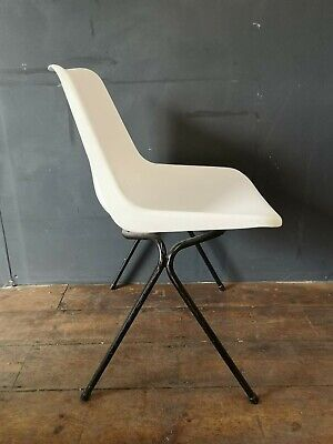 £40 • Buy Vintage Robin Day For Hille White & Black Stacking Poly Side Chair
