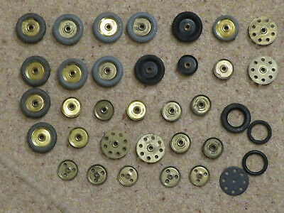 Meccano - 1 Inch Pulleys And Tyres (Hard) - Parts 22, 22a, 24, 142c • 2.99£