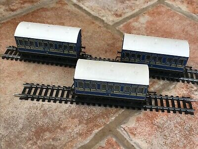 Hornby OO Gauge 3 Caledonian Blue 4 Wheeled Coaches • 29.99£