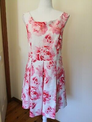 AU30 • Buy Forever New Size 16 Red Rose Flower Pattern
