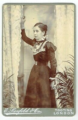 Victorian Cabinet Photo Young Woman Tooting London Photographer • 3.50£