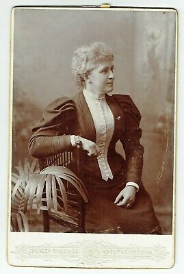 Victorian Cabinet Photo Lady Seated Southampton  Photographer • 3.50£
