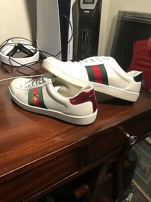 AU580 • Buy Authentic Gucci Sneakers White With Bee *WORN ONCE* Size 42 EUR - With Bags.