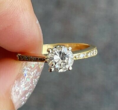 AU2700 • Buy Valuation $8800 Vs2 0.9ct Diamond 18k Solitaire Gold Ring