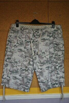 £1.99 • Buy Ladies Grey Camouflage 3/4 Leg Cropped Trousers/Shorts Size 20 F&F VGC