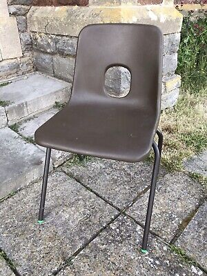 £120 • Buy Job Lot Of 20 Hille Robin Day Designed E Series Chairs In Brown