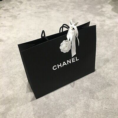 £15 • Buy 100% Authentic Chanel Paper Bag Size M. (43*33*16cm) With Ribbon And Envelop