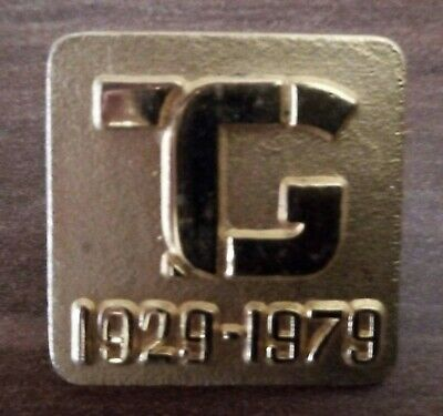 £3.99 • Buy THREE VINTAGE TOWNSWOMENS GUILD BADGES (including Exec. Committee Badge)