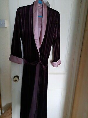 £7.50 • Buy Maroon Long Velour Robe/dressing Gown - Size M - Vgc