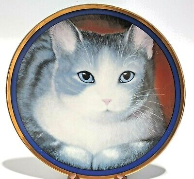 £5.72 • Buy 8 In. Collectible Decorative Plates Gray Cat