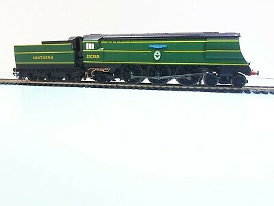 £150 • Buy Hornby 00 Southern Railway Battle Of Britain Class  Fighter Pilot   NOW REDUCED!