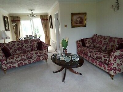 £155 • Buy Good Condition Used ScS 3 & 2 Seater Floral Fabric  Sofas With Storage Footstool