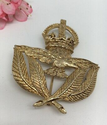 """$16.99 • Buy Vintage M JENT Gold Tone Leaves Bird Crown 2 1/2""""  Pin Brooch (1803)"""