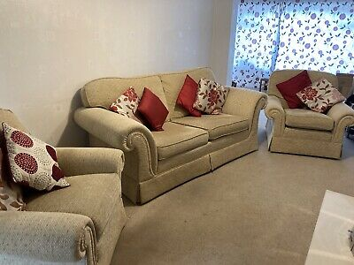 £140 • Buy 3 Piece Suite 3 Seat Sofa And Two Chairs  - Excellent Condition