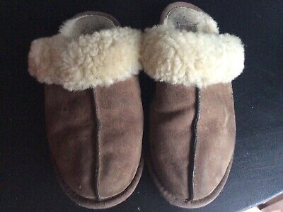 £5 • Buy Worn Ugg Slippers Size 6