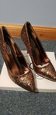 £2.99 • Buy Gold/bronze Shoes Size 5