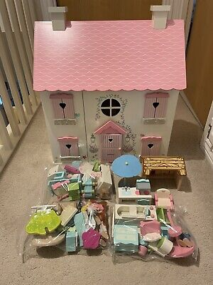 £30 • Buy Wooden Dolls House Complete With Furniture And Dolls