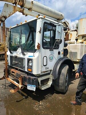 $3500 • Buy 2004 Mack Mr 600 Cab Assembly Complete Takeout Clean 120k Miles