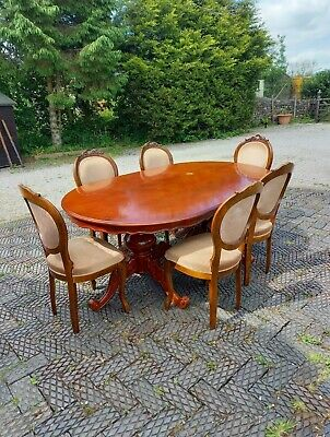 £125 • Buy Dinning Table And 6 Chairs Used