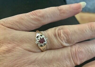 £80 • Buy Stunning Vintage 9ct Gold Ruby And Diamond Mounted On White Gold Cluster Ring