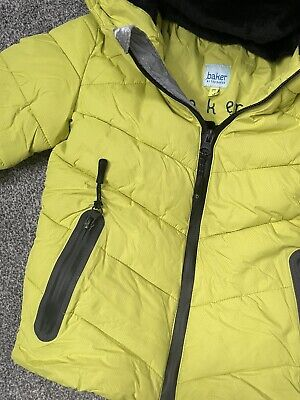 £10 • Buy Boys Ted Baker Coat And Matching Ruck Sack 3-4 Years