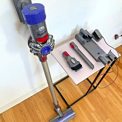£195 • Buy Dyson V8 Animal Cordless Stick Vacuum Cleaner // New Battery // Wth Accessories