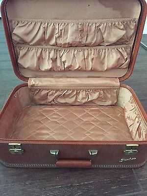 View Details Antique Samsonite Luggage • 100.00$