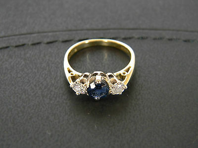AU750 • Buy 18ct Gold Blue Sapphire And Diamond Ring!!