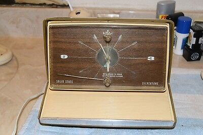 $ CDN44.39 • Buy Silvertone 2072 Retro 1969 Am Clock Radio Pro Serviced