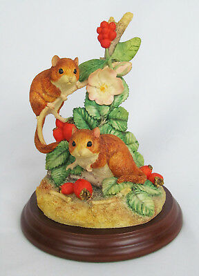 Border Fine Arts Anne Wall 1997 Autumn Hedgerow Mouse Mice Red Berries Figurine • 24.70£