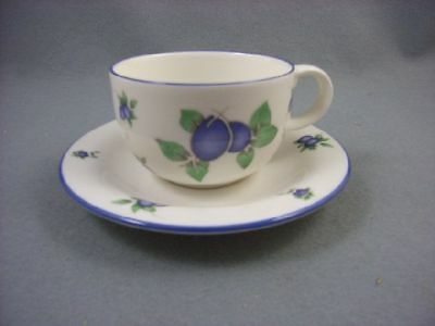 Royal Doulton Blueberry Cup & Saucer • 10.95£