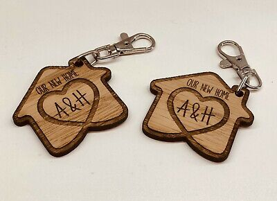 £4.95 • Buy SET OF 2 X PERSONALISED OAK WOODEN KEYRINGS OUR NEW HOME HOUSE WARMING GIFT