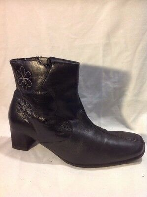 Pavers Black Ankle Leather Boots Size 5 • 22£