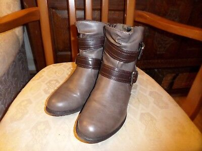 Pavers Size 5, Ladies Boots, Brown/Gray  • 50£