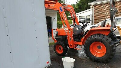 compact tractor loader