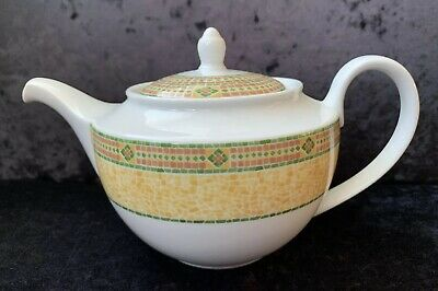 "Wedgwood Home ""Florence"" Teapot • 12.95£"
