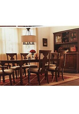 $380 • Buy Dining Room Table And 6 Chairs Set Used