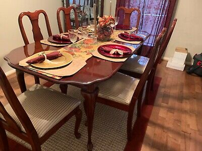 Dining Table Set 6 Chairs • 300$