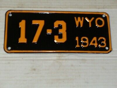 1943 Wyoming Rodeo Cowboy & Horse License Plate MOTORCYCLE   17-3  RARE • 100$