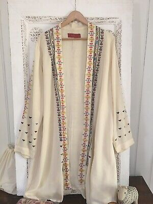 AU55 • Buy Tigerlily Kimino Boho Embroidered - Size M 🍃🌸